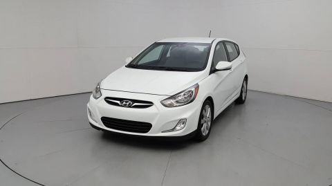 2013 Hyundai Accent 5-Door SE